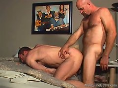 This cop completely wore out this guy\\\'s hairy ass with his schlong bareback